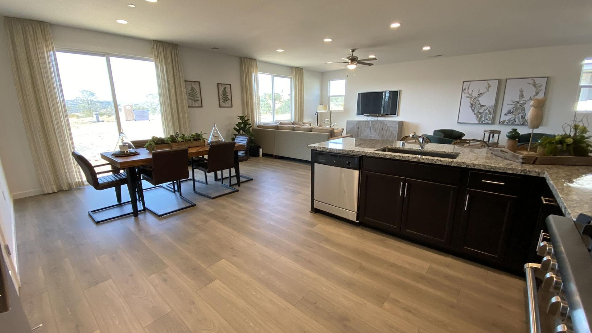 Family Dining & Kitchen