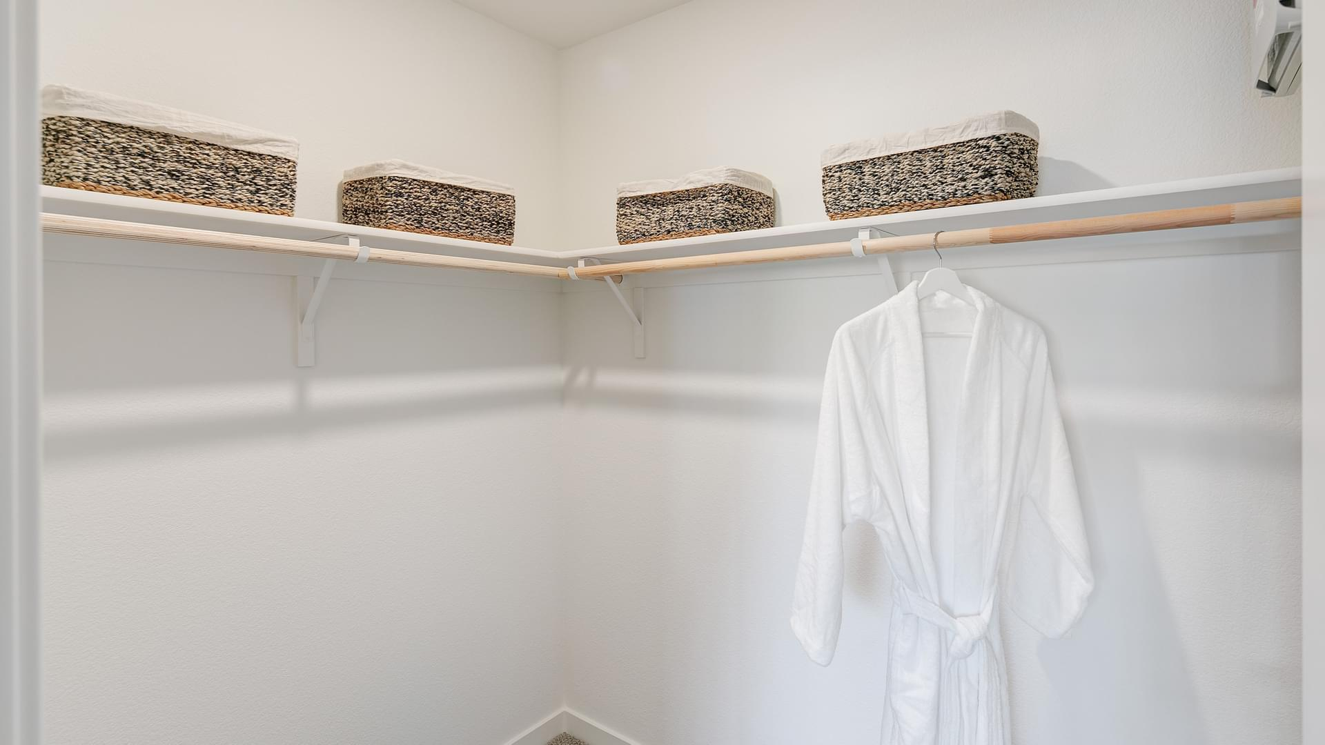 Residence 2 Bed 2 Walk-In Closet