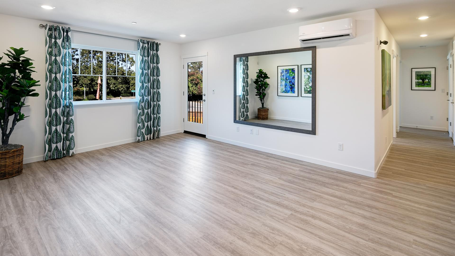 Residence 5 Living Room