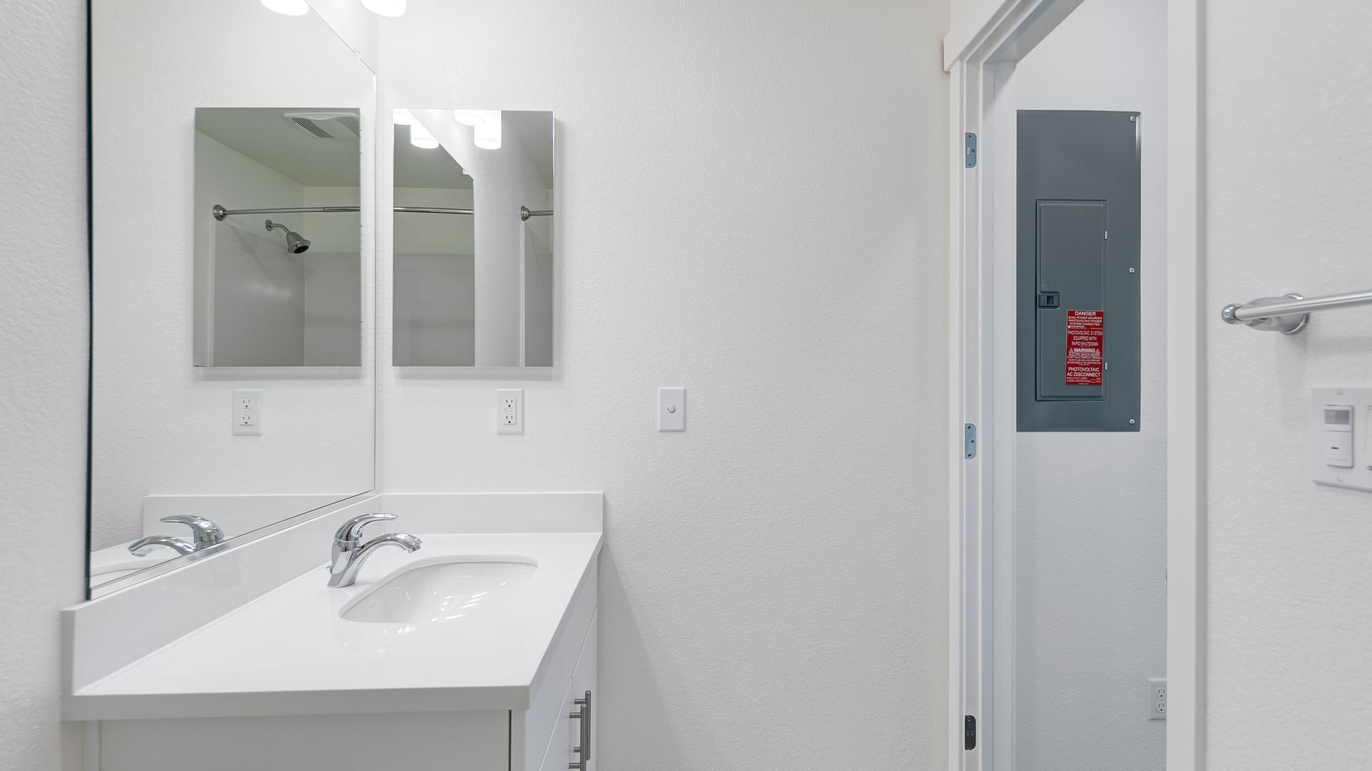 Residence 6 Bath 2