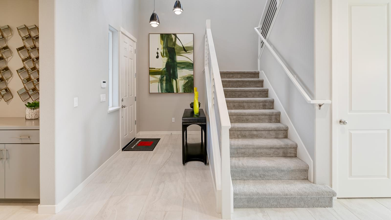 Entry/Stairs