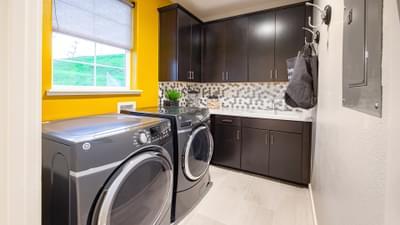 Residence 3 Laundry