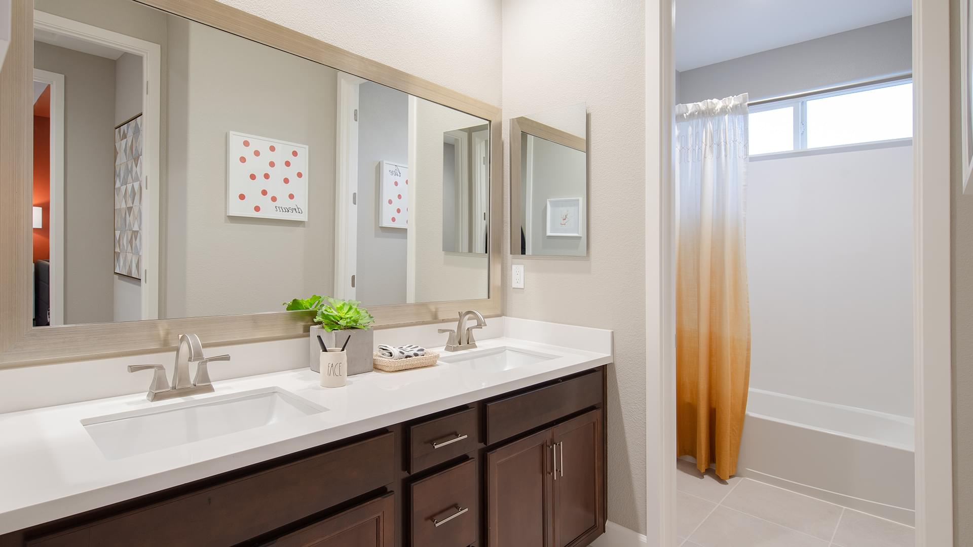 Residence 5 Bath 2