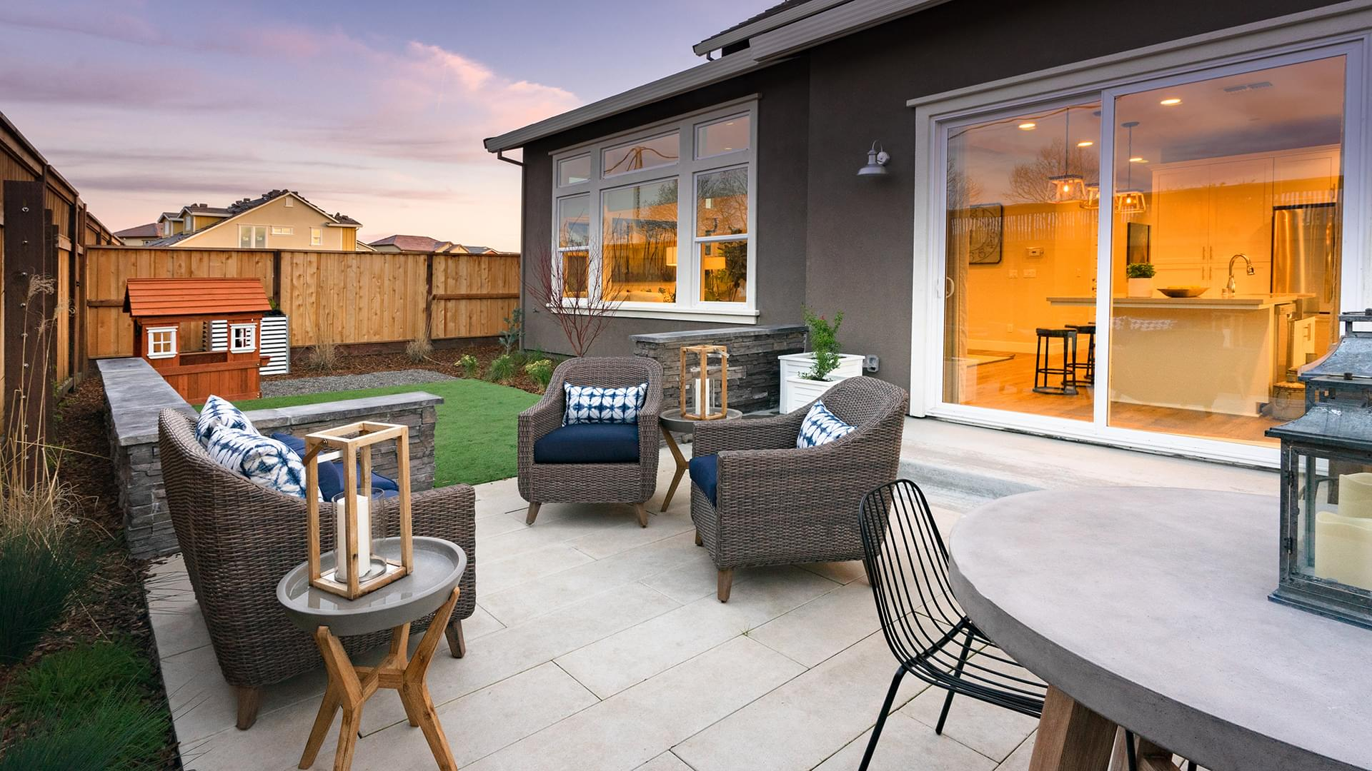 Residence 2X Backyard
