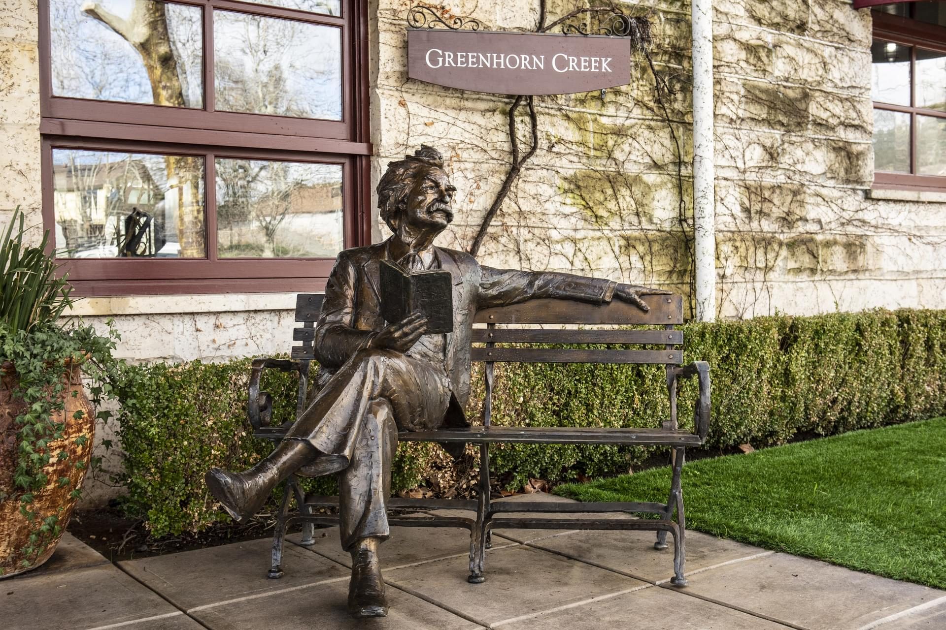 Mark Twain Statue at Camps Restaurant