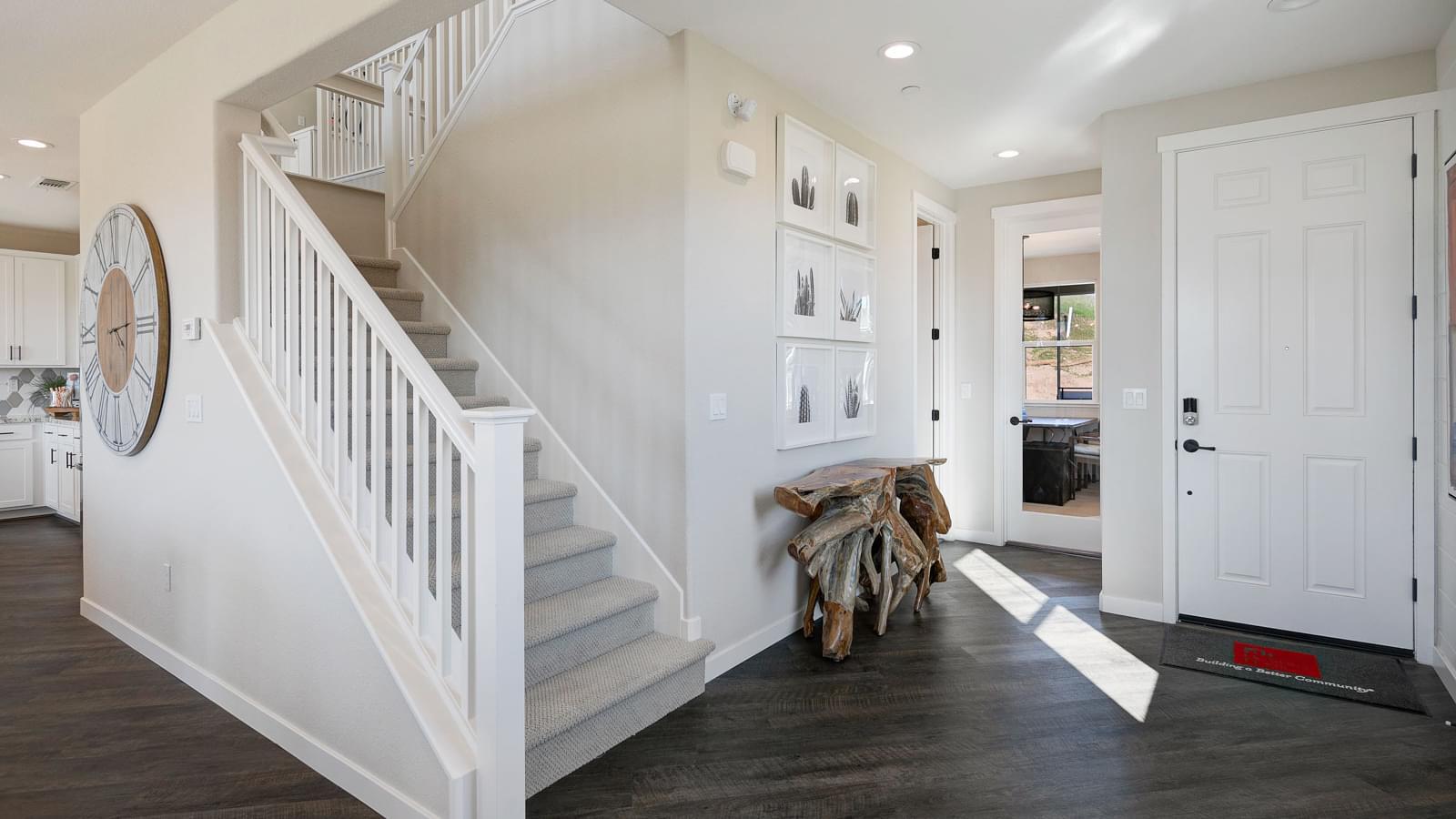 Residence 2 Entry