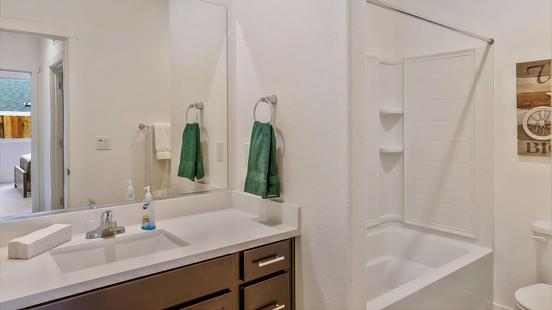 Residence 3 Alt Bath 2