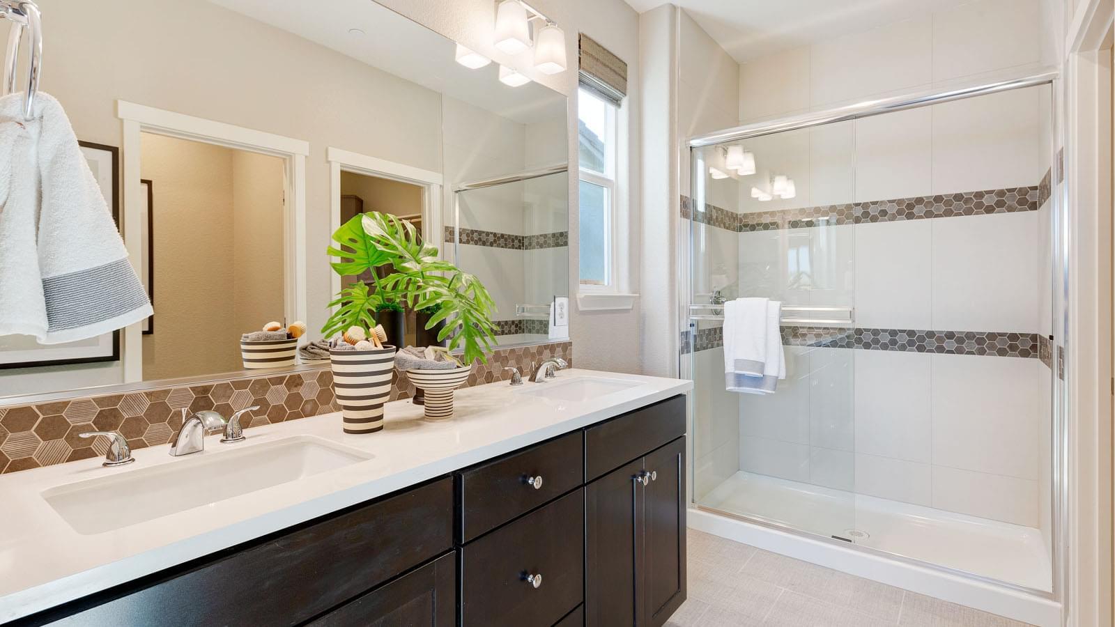 Residence 1 Owner's Bath