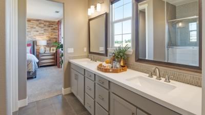 Residence 4 Owner's Bath
