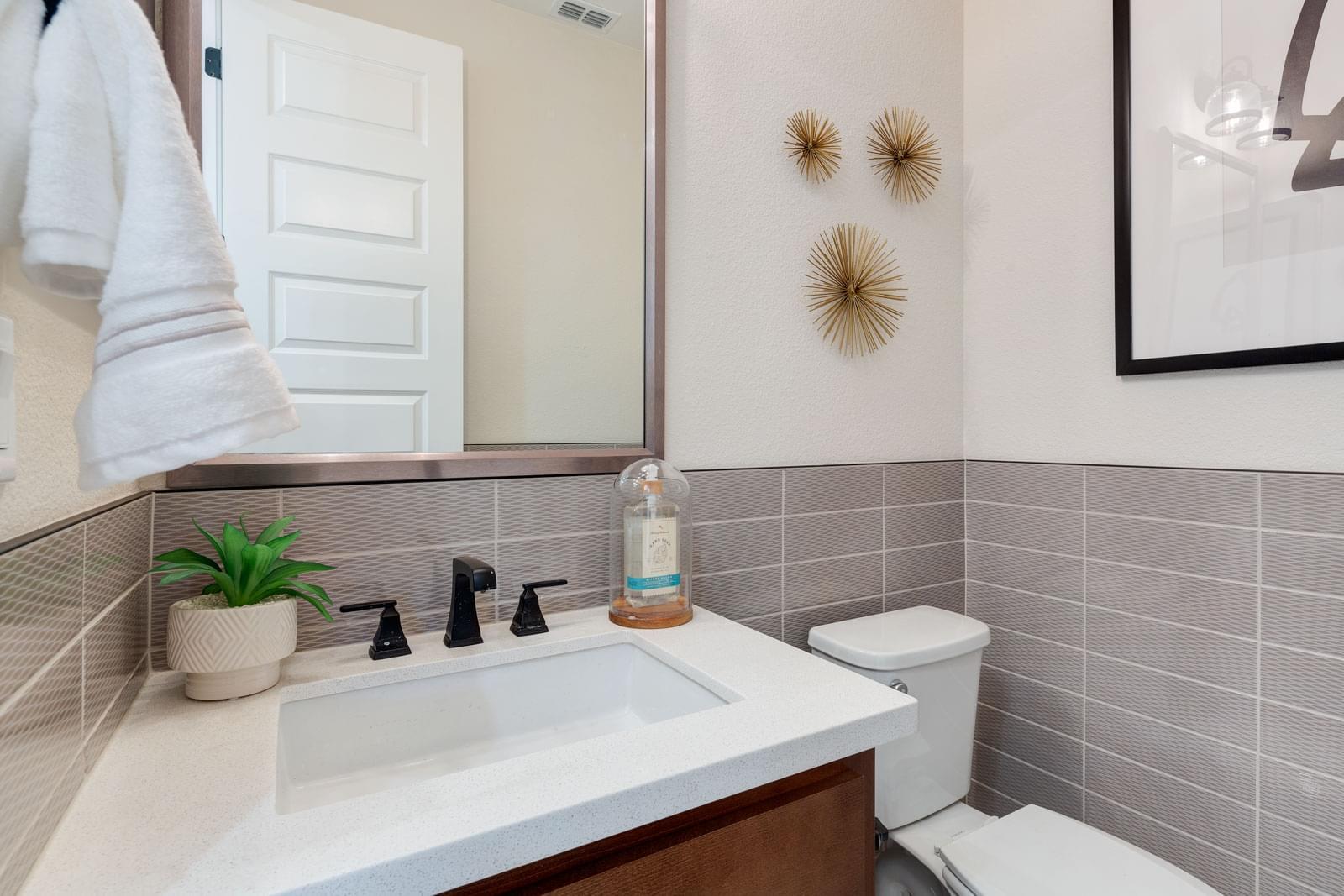 Residence 3 Powder Bath