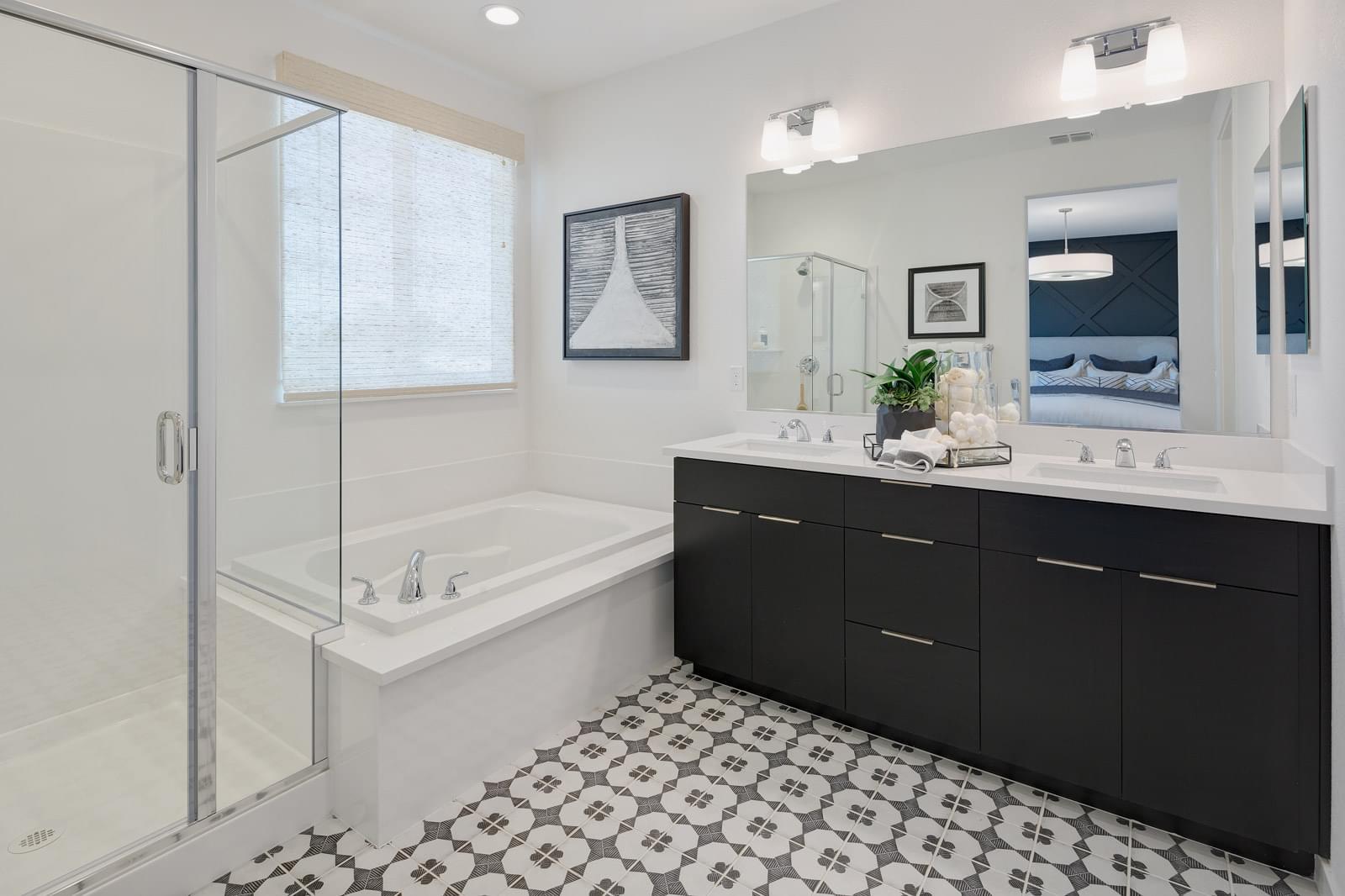 Residence 2 Owner's Bath