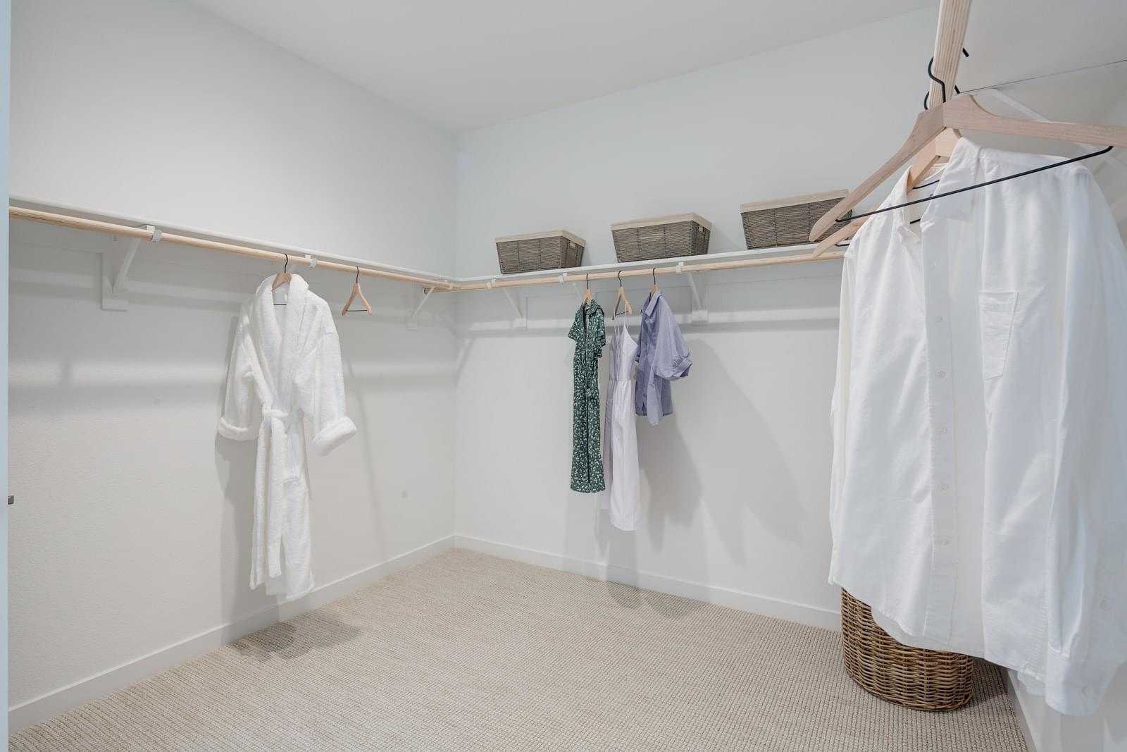 Residence 3 Walk-In Closet