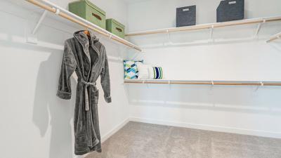 Residence 5 - Walk-In Closet