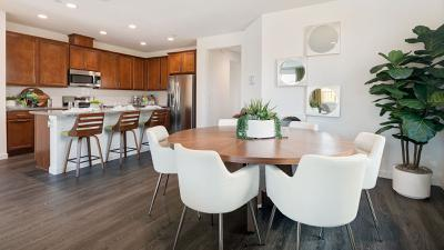 Residence 5 - Kitchen & Dining