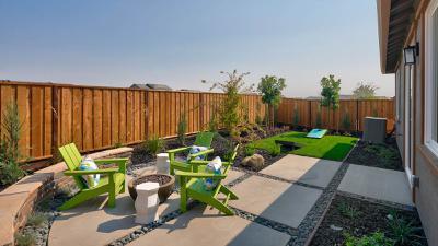 Residence 5 - Backyard