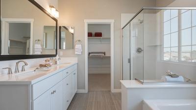 Residence 6 - Owner's Bath